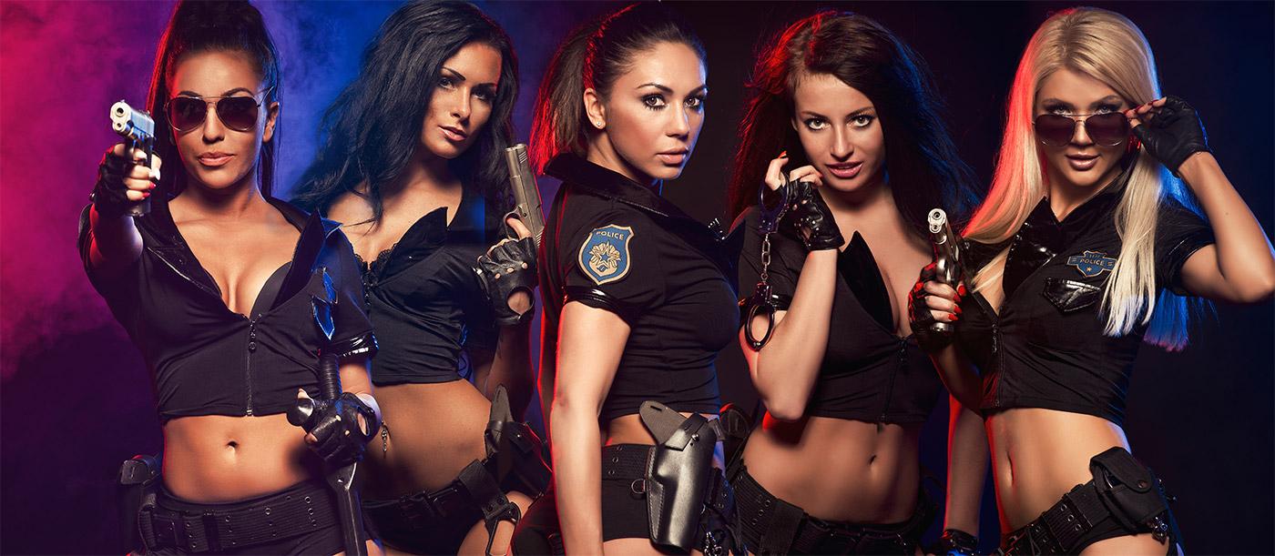 Sexy policajtky v kostýmoch