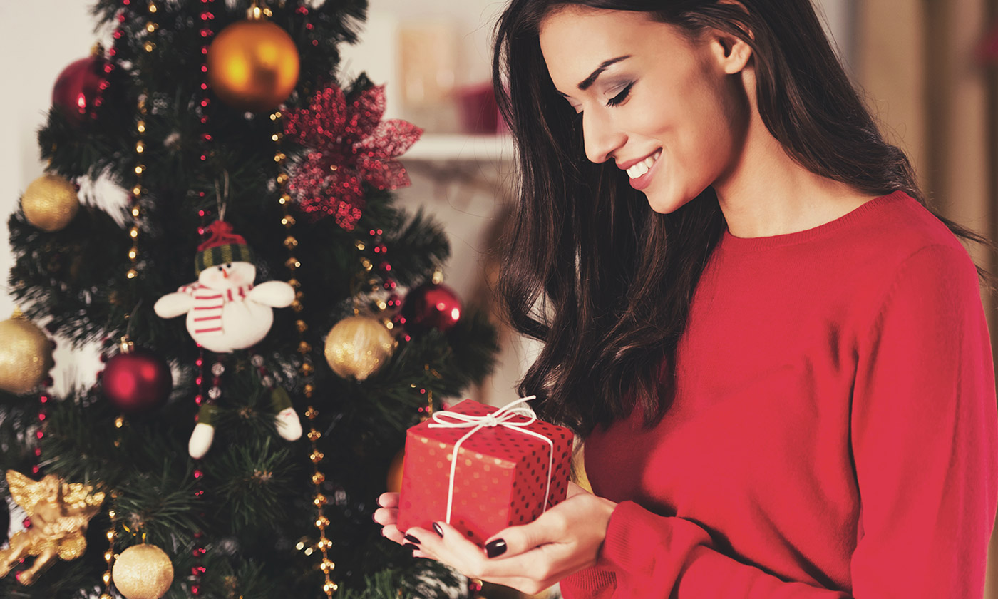 Žena s darčekom